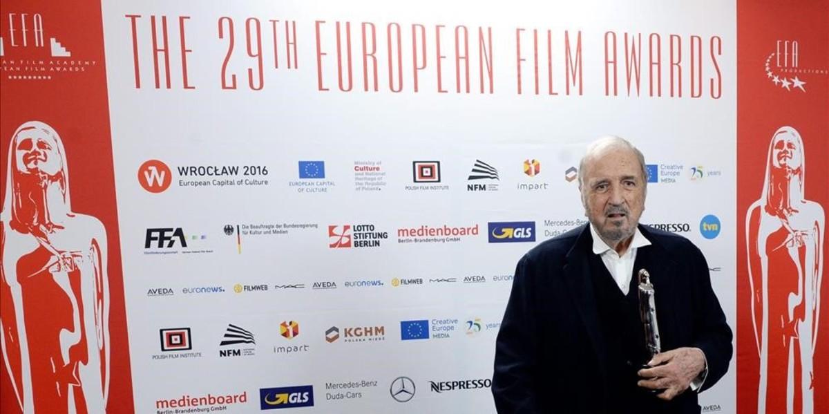 Jean-Claude Carrière, el sábado, en la gala de la Academia del Cine Europeo, en Breslavia.