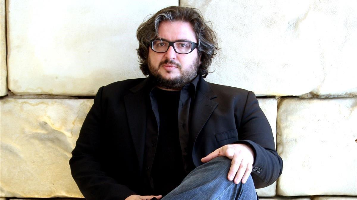 El escritor y editor Julián Rodríguez.