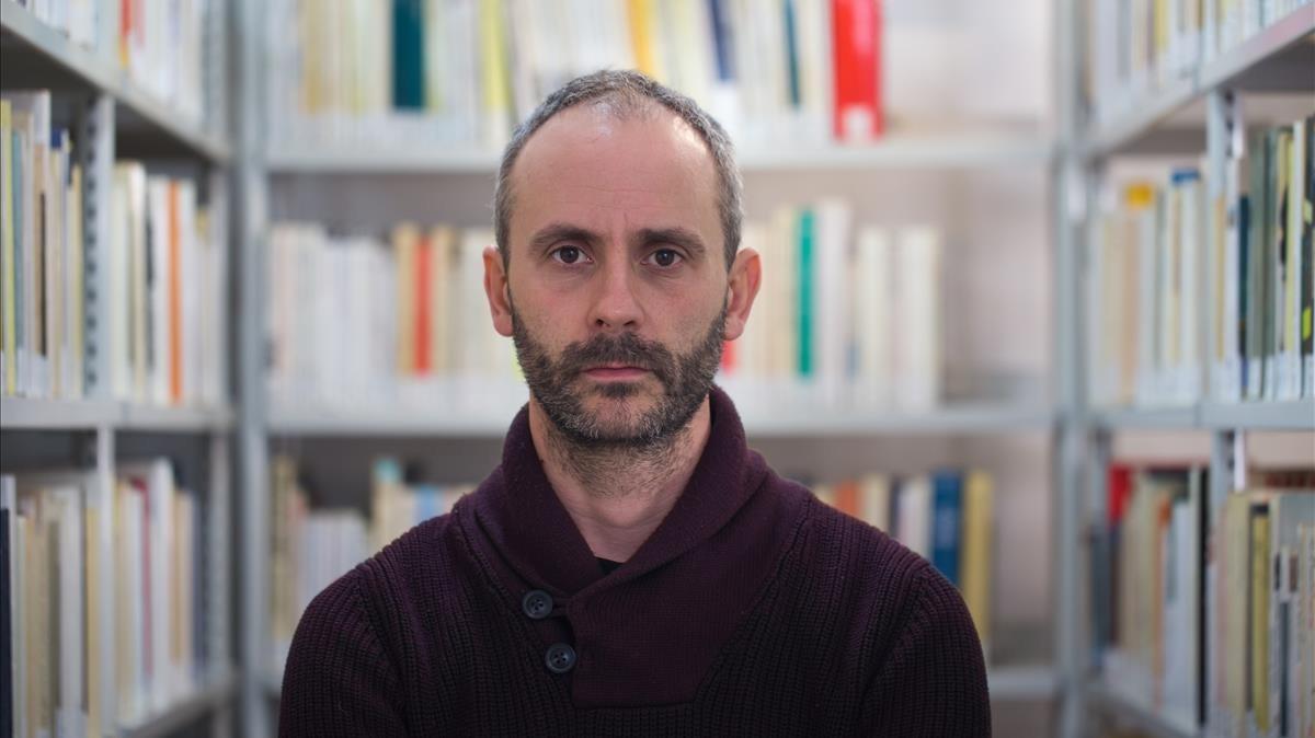 El escritor e ingeniero francés Colin Niel, este miércoles en el Institut Français de Barcelona.