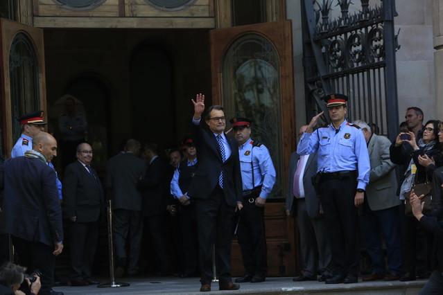 Artur Mas, en la entrada del TSJC, el 15 de octubre del 2015, cuando fue a declarar por la consulta del 9-N del 2014.