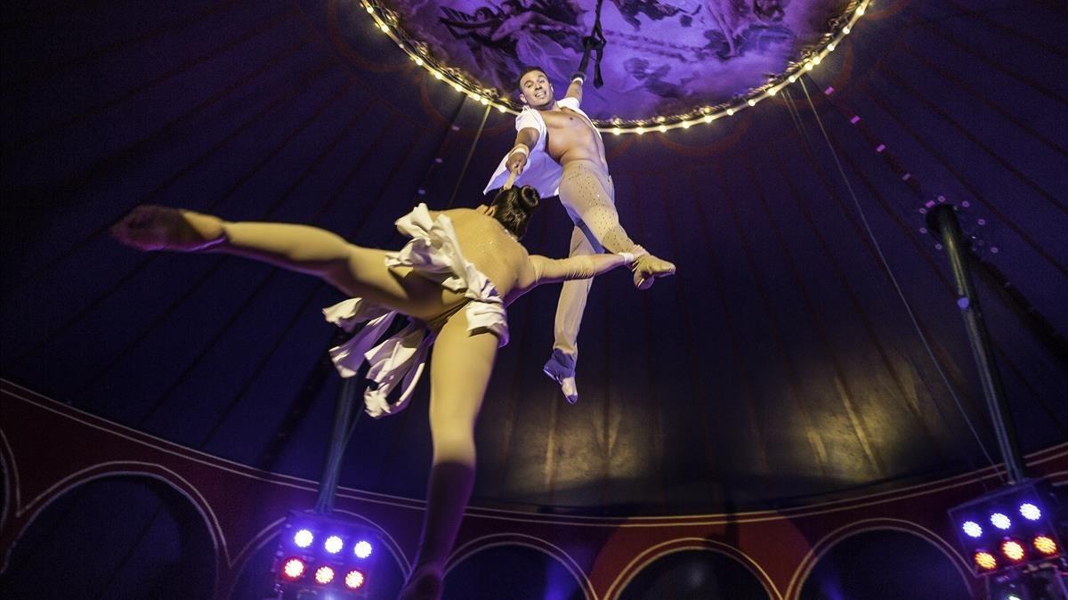 El Circ Raluy mantiene la tradición del cicro con Fortius (Port Vell).