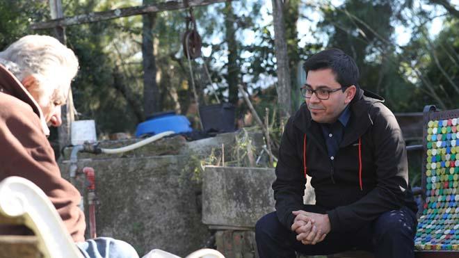 Gerardo Pisarello visita a José Mújica y lo tilda de gran humanista.