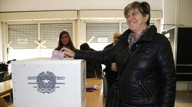 Los indignados de Beppe Grillo avanzan electoralmente en Italia