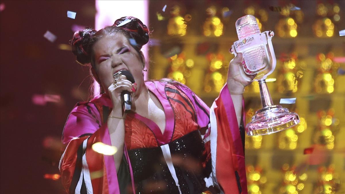 La israelí Netta celebra su triunfo en Eurovisión.