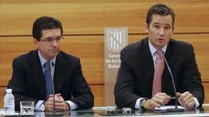 Jaume Matas e Iñaki Urdangarin, durante una conferencia de prensa en Palma en octubre del 2005.