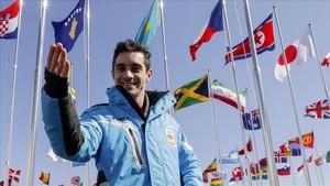 Javier Fernández, en la Villa Olímpica, tras su llegada a Gangneung.