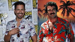 Losactores Jay Hernández, que protagoniza la nuevaserie Magnum PI,y Tom Selleck, que encarnó al popular detective en los años 80.