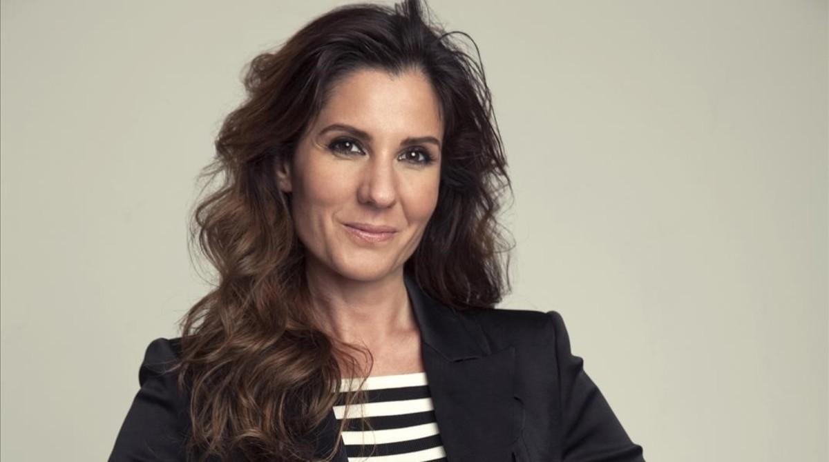 Diana Navarro, en una imagen promocional de su nuevo disco, Resiliencia, en la que luce nueva imagen.