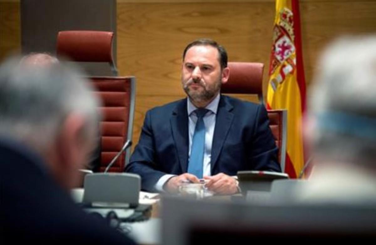 """Ábalos: el presidente de la Diputación de Valencia no puede seguir dada la """"aparatosidad"""" de su detención"""