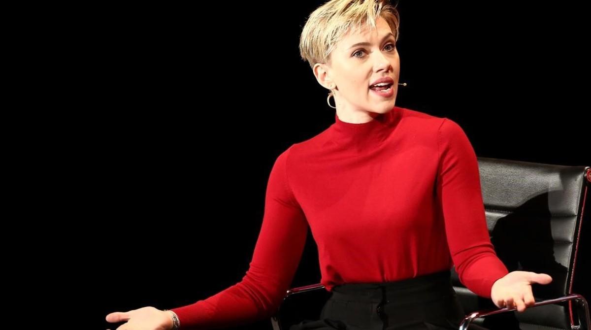 Hacen pedazos a Scarlett Johansson por aceptar papel de transexual