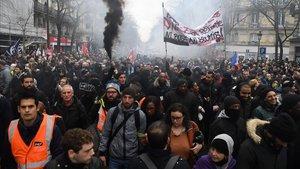 Manifestación contra la reforma de las pensiones, entre jueves en París.