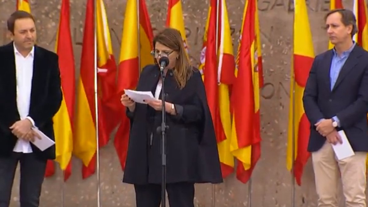 Albert Castillón, María Claver y Carlos Cuesta, los televisivos que han leído el manifiesto contra Pedro Sánchez