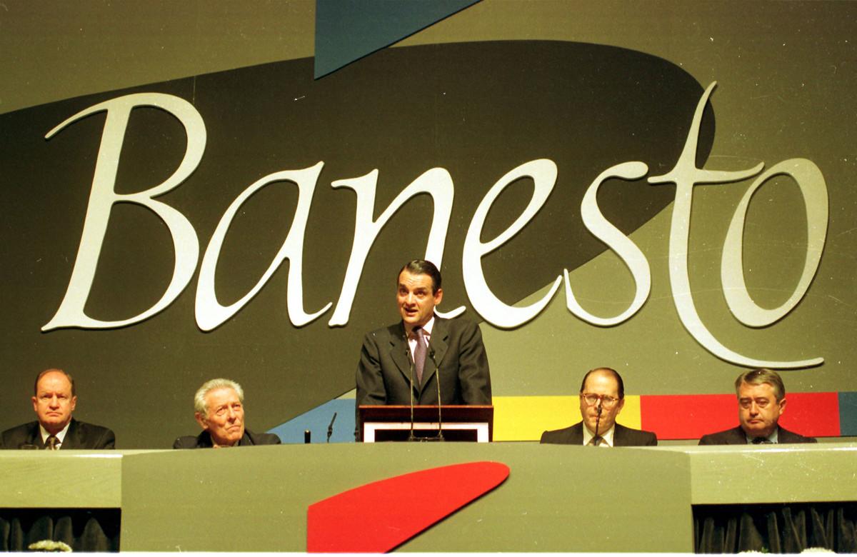 Mario Conde durante una junta de accionistas de Banesto en mayo de 1993.