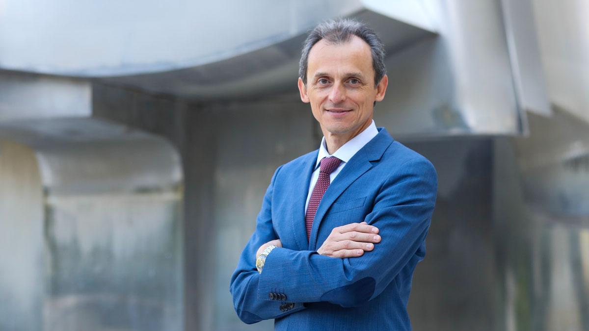 El ministro Pedro Duque presenta su candidatura para dirigir la Agencia Espacial Europea.