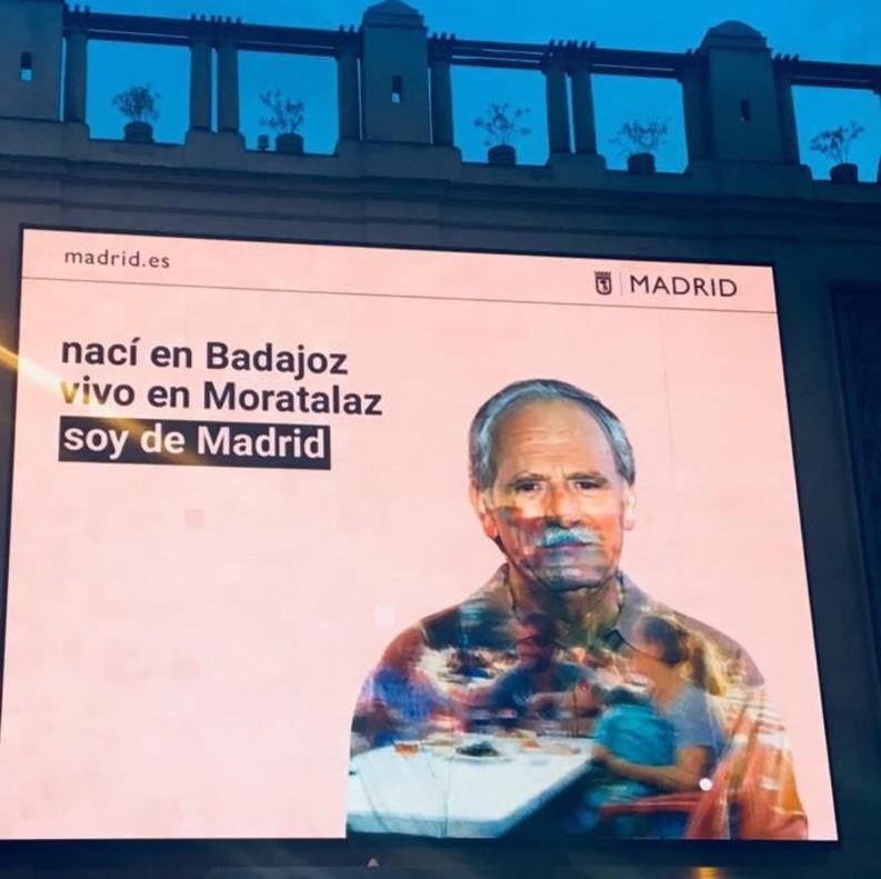 El cartel colgado en el Ayuntamiento de Madrid.