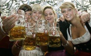La fiesta de la cerveza se celebra en muchas partes del mundo, siendo Alemania el epicentro de esta celebración.