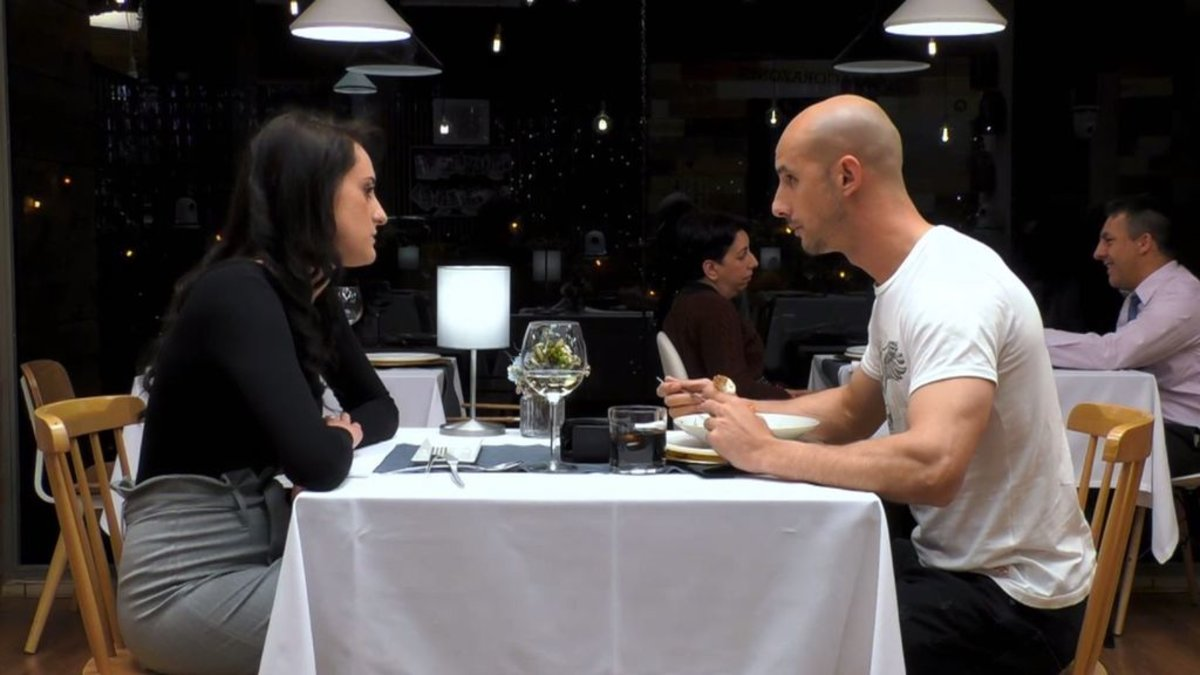 Patricia y Álvaro en su cita en el restaurante de 'First Dates'.