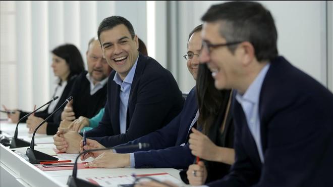 """Sánchez busca una alianza """"progresista"""" con Podemos y Ciudadanos"""