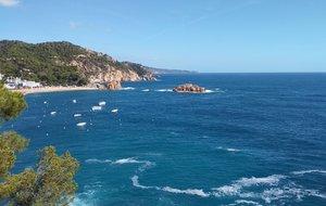 Playa en Tossa de Mar, con una calidad de agua excelente.