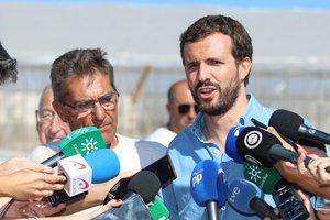 26/09/2019 El presidente nacional del PP, Pablo Casado, atiende a los medios después de la visita a las zonas de invernaderos afectadas por las riadas en Almería.