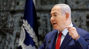 El primer ministro israelí, Benjamin Netanyahu, gesticula durante un discurso en el Banco de Israel.