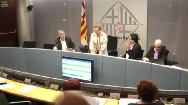 Rifirrafe entre Carina Mejías y el teniente alcalde de economía, Gerardo Pisarello.