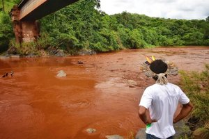 El río Paraopeba en el estado deMinas Gerais presenta altos niveles de contaminación.