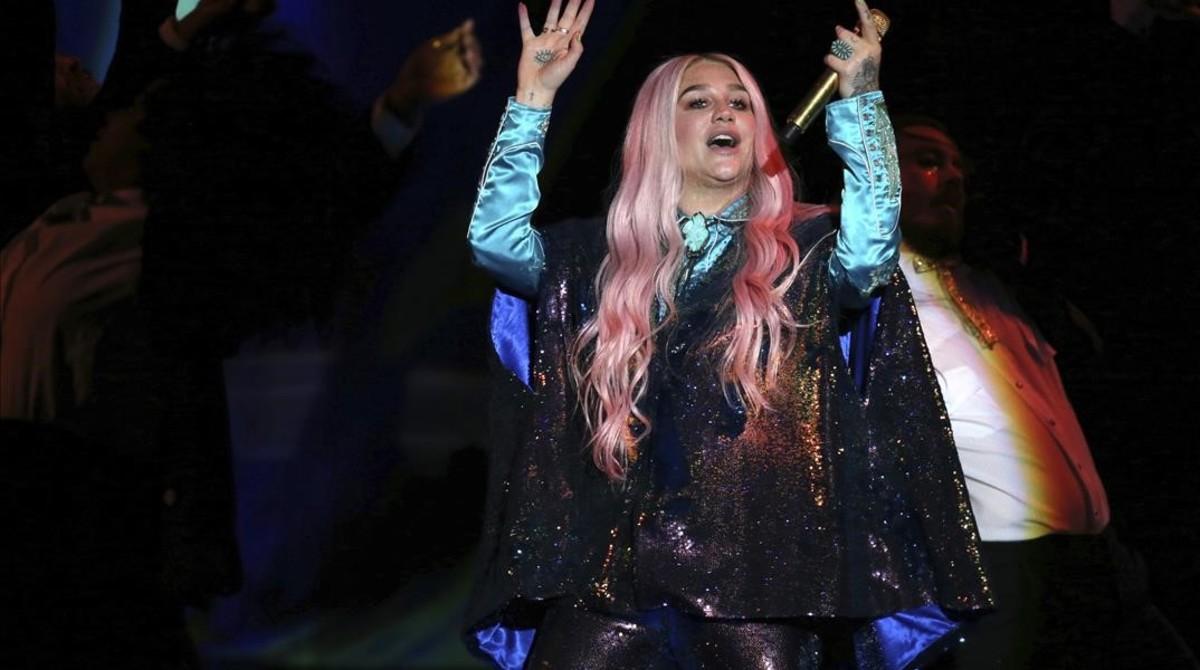 Kesha, en los Premios MTV.