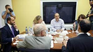 El secretario de Estado de Empleo, Juan Pablo Riesgo, con los representantes de sindicatos y patronales.