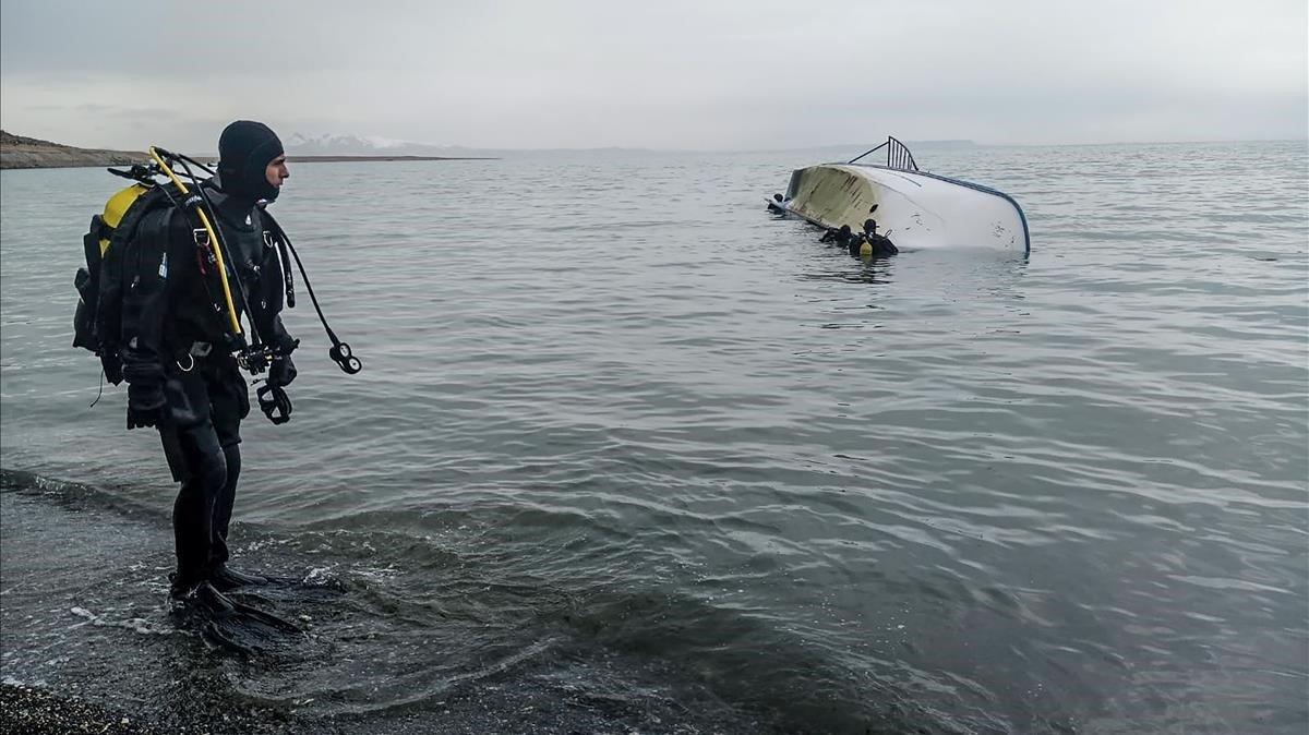 Siete personas murieron tras hundirse una patera con inmigrantes en el lago Van en el este de Turquía