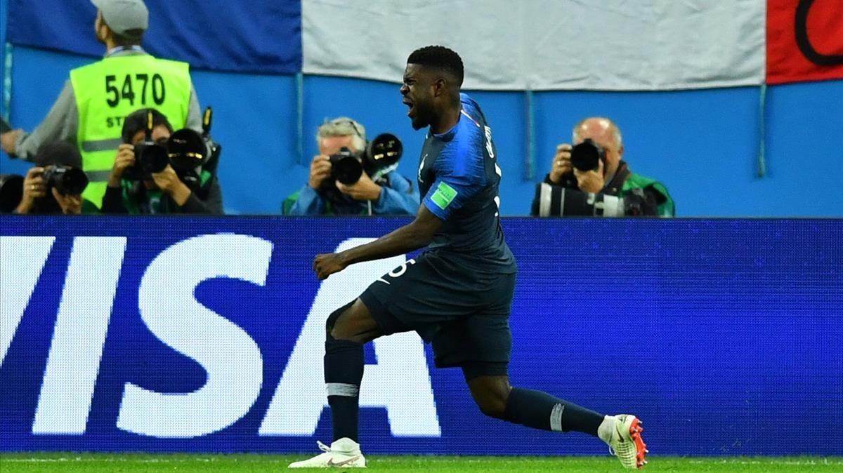 Umtiti celebra el primer gol de Francia ante Bélgica.