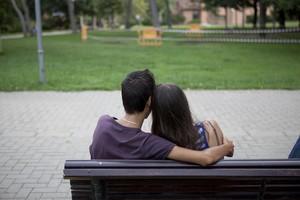 Una pareja de novios en Barcelona.