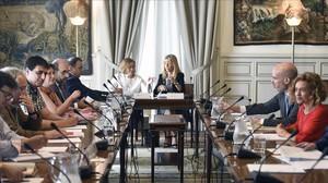 La ministra de Administraciones Territoriales, Meritxell Batet, juntoal secretario de Estado de Función Pública, José Antonio Benedicto, en una reunión negociadora en julio pasado.