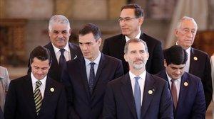 El Rey y Pedro Sánchez, este viernes con varios líderes latinoamericanos en Antigua Guatemala.