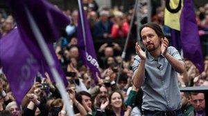 El secretario general de Podemos, Pablo Iglesias, en el acto de su regreso ante el Museo Reina Sofía