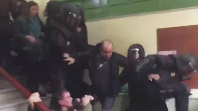 La defensa porta al judici del procés les agressions policials de l'1-O