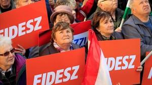 Votantes del partido del primer ministro, Viktor Orbán.
