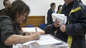 El voto por correo desde el extranjero se duplica para las elecciones del 21-D.