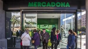 Mercadona i Lidl creixen en quota de mercat impulsats per la caiguda de Dia