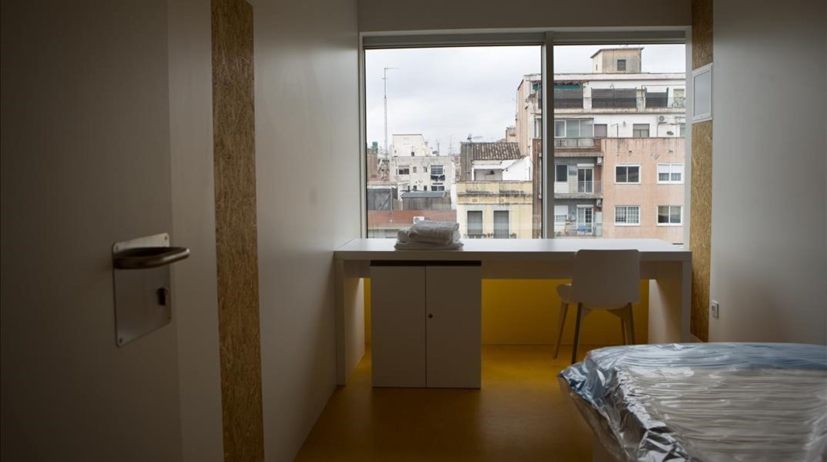 Barcelona obre el primer alberg per a sensesostre especialitzat en salut mental