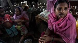 Una familia rohingya.