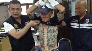 El yakuza Shigeharu Shirai después de ser detenido.