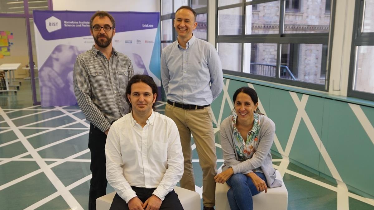 Equipo de investigadores españoles que han liderado la investigación sobre grafeno nanoporoso: Aitor Mugarza,Diego Peña, César Moreno yAran García-Lekue