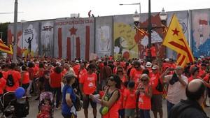 """Aquest és el mur que caurà després de la manifestació com a símbol de """"superació d'obstacles"""""""