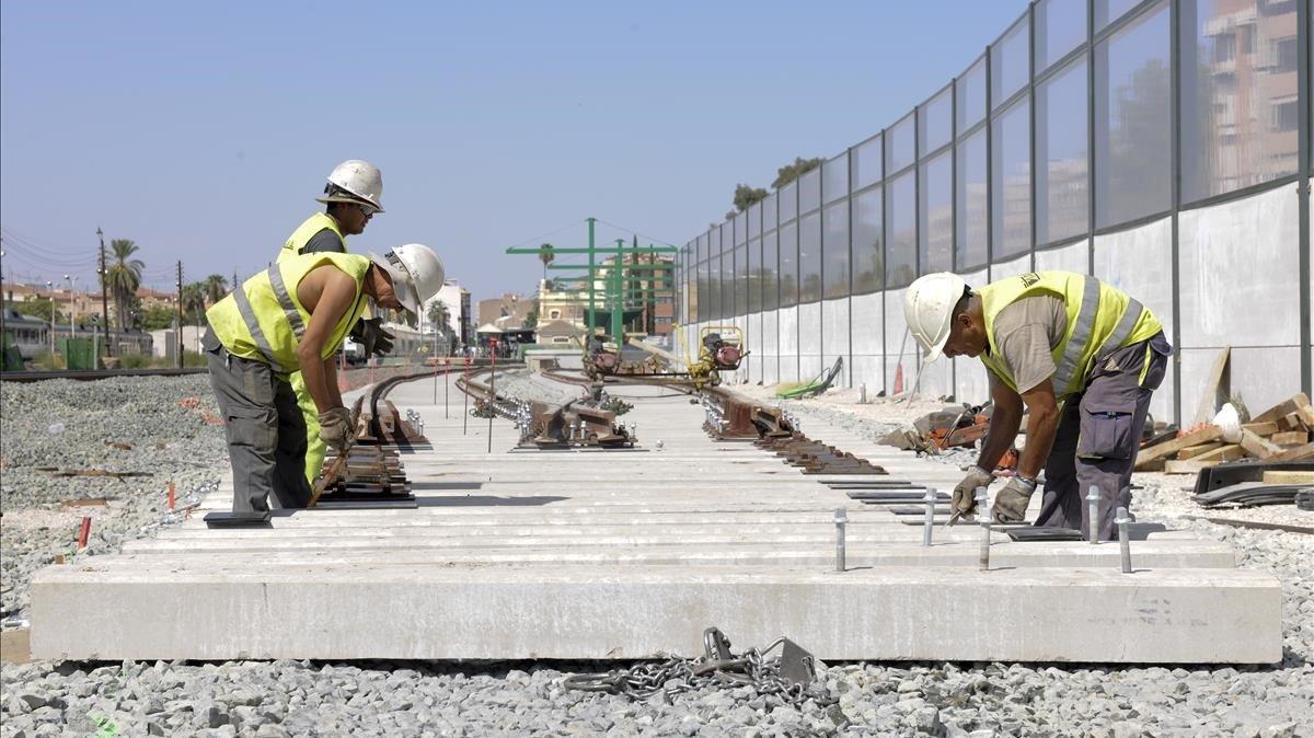 Obras en un tramo del Corredor Mediterráneo.