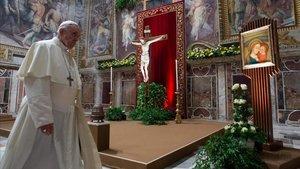 El papa Francisco durante la misa celebrada en la clausura de la cumbre contra la pederastia, el domingo pasado.