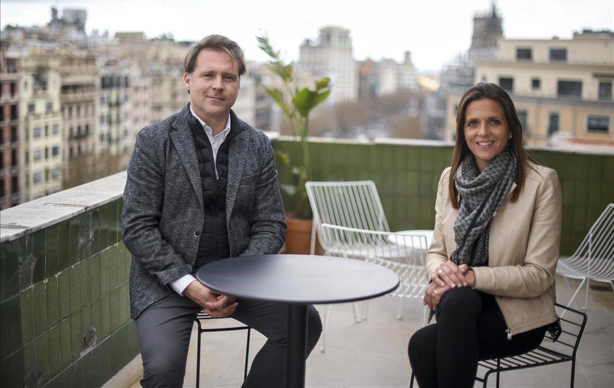 Sanfeliu y Campàs, en la terraza de su despacho en el paseo de Gràcia.