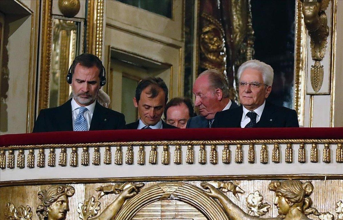 Itàlia rep amb l'himne de la dictadura Felip VI i Joan Carles I