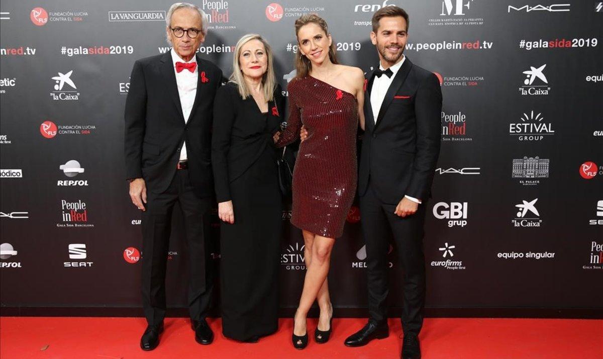 Los Clotet, al completo. El doctor Bonaventura, su mujer, Anna Fresquet, y los hijos, los actores Aina y Marc.