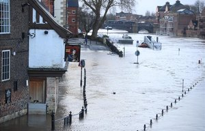 El temporal causa alteracions en el transport i talls d'electricitat al nord d'Europa
